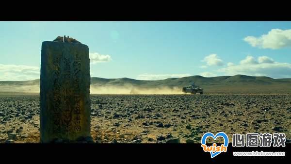 《怪物猎人》真人电影终极预告 火属双刀大战雌火龙